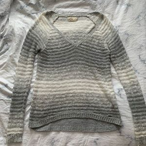 Hollister Oversized Knit Grey & Silver Sweater